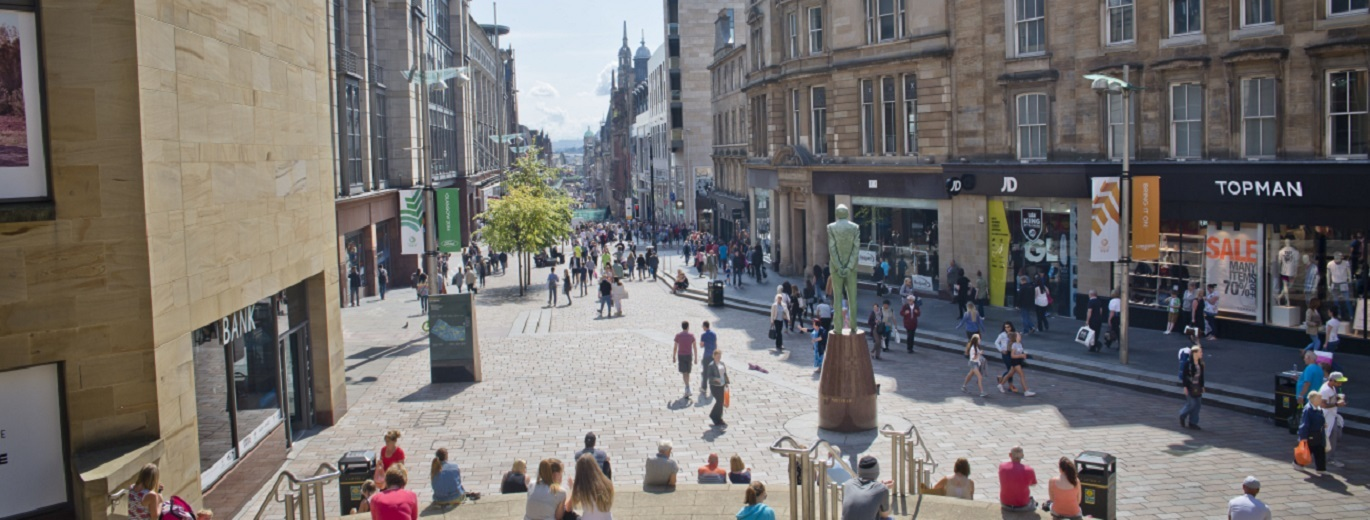 Looking down Buchanan Street ©VisitBritain/VisitScotland